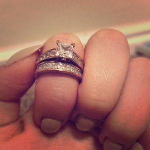 Rose gold cubic zirconium double band ring set